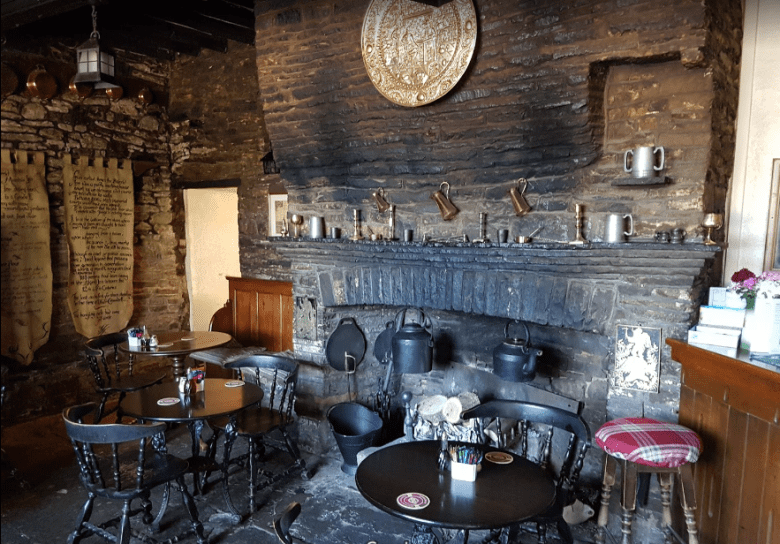 the-skirrid-inn-interior.PNG