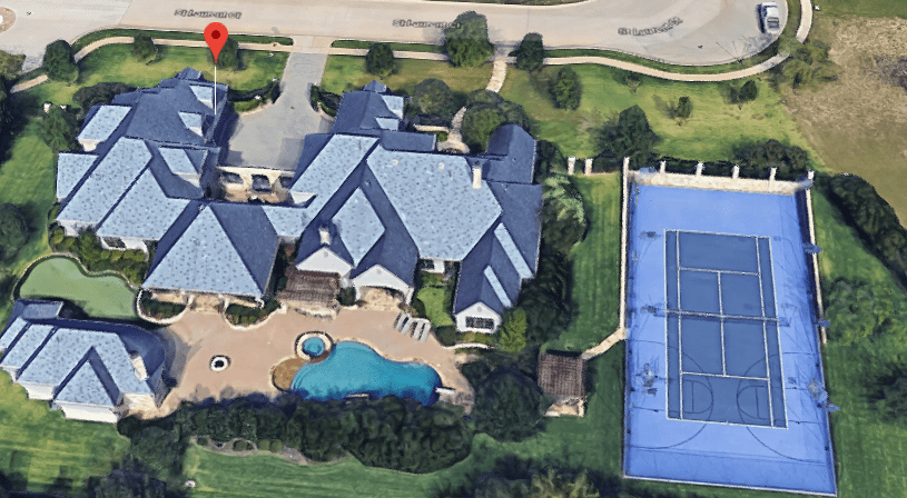 selena-gomez-mansion2.PNG