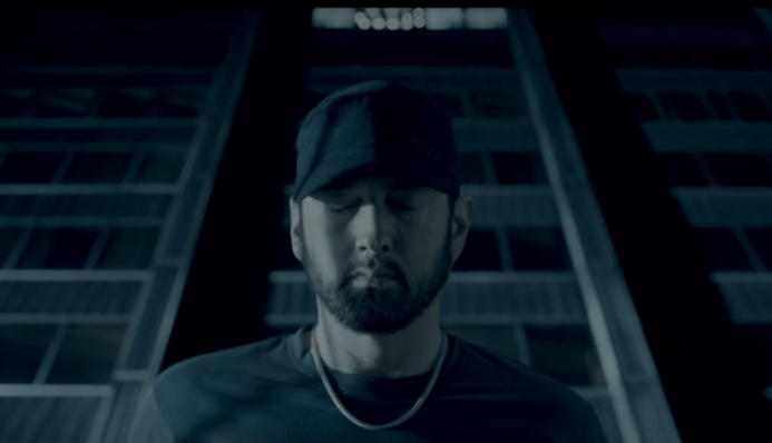 eminem-fall9.PNG