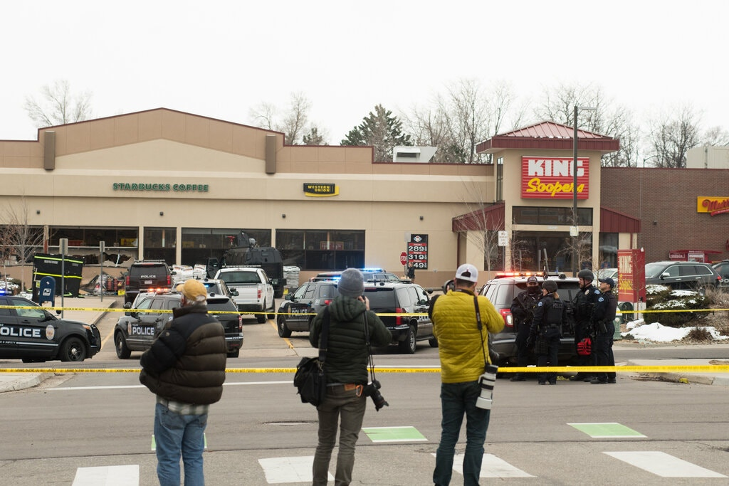 Gunman at Colorado grocery store