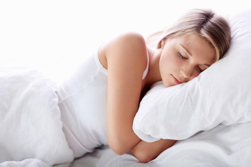 tidur keluarkan racun