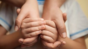holding-hands-e1392799944403