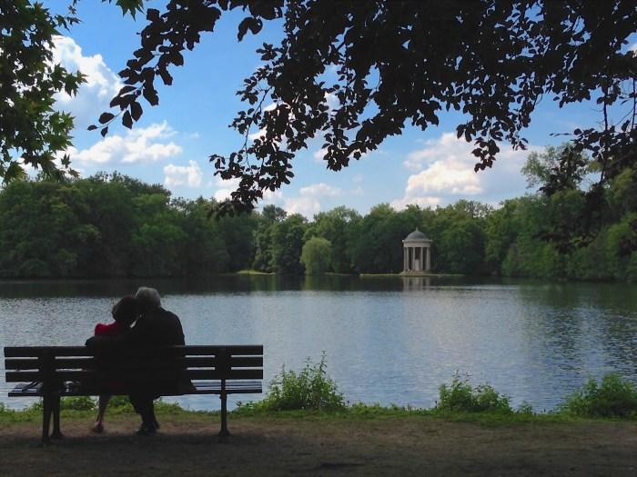 Couple in Nymphenburg Gardens