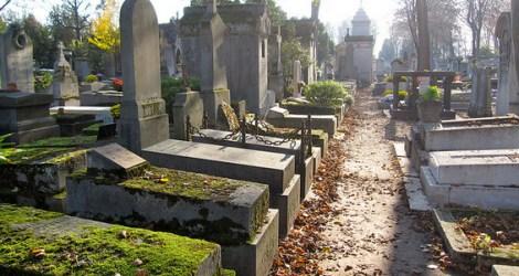 Paris: Père Lachaise Cemetery