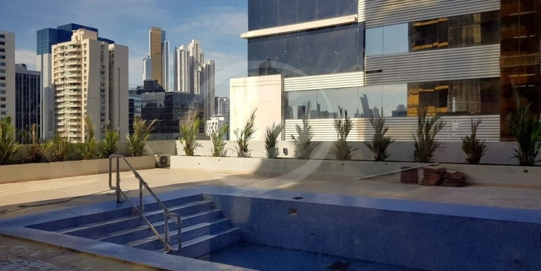 15. Piscina (1) DownTown 21-E