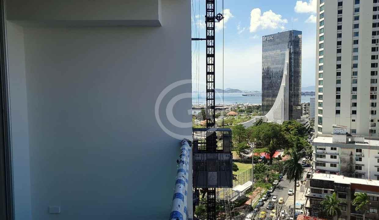 6. Balcón (7)