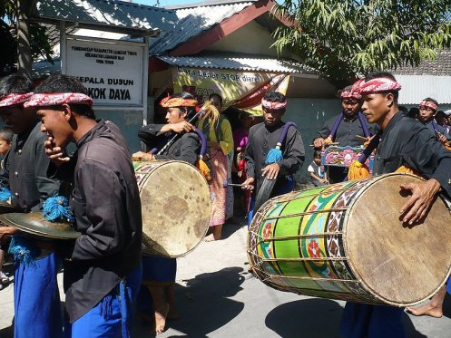 800px-gendang_beleq_lombok