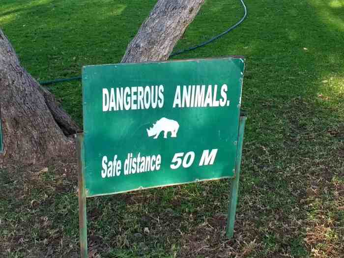 warning sign wildlife