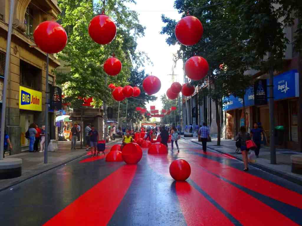 Santiago de Chile for introverts - Avenida Bandera