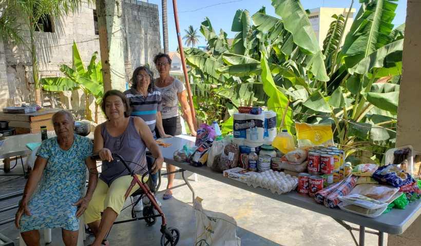 Familias migrantes recibieron alimentos en San Cristobal RD