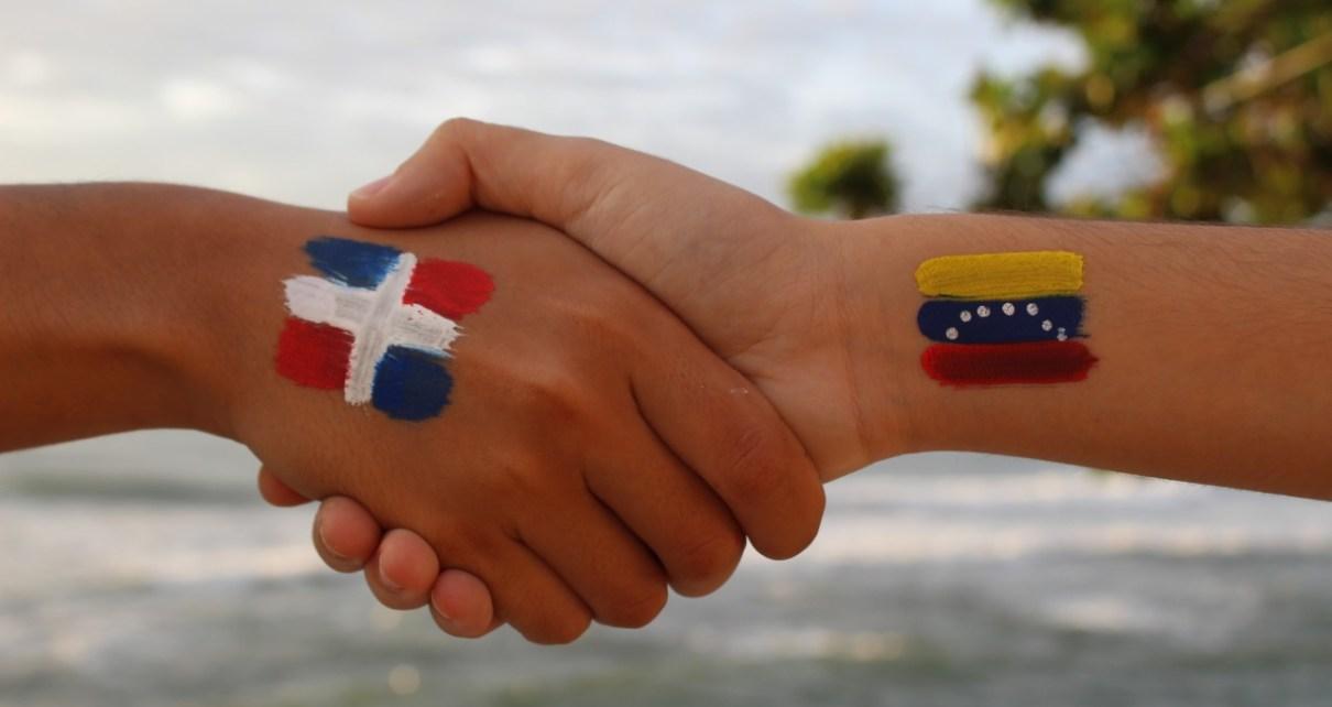 15 artículos explican el proceso de normalización de estatus migratorio para  venezolanos en RD | Globalizate Radio