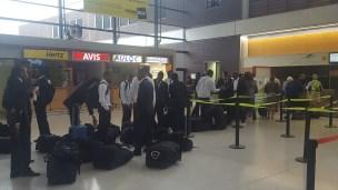 Une partie du groupe à l'aéroport