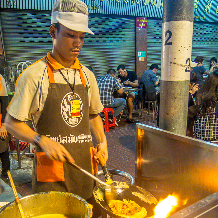 chef pad thai bangkok food tour