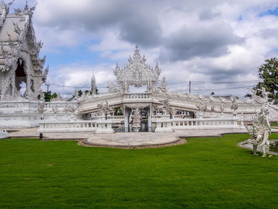 white temple chiang mai thailand