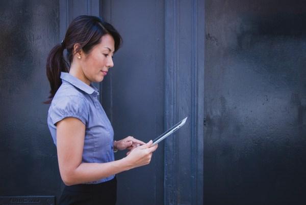 Businesswomen communicating by tablet. Photo via Pixabay.