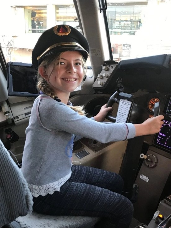 Flying with kids - Jr. Pilot