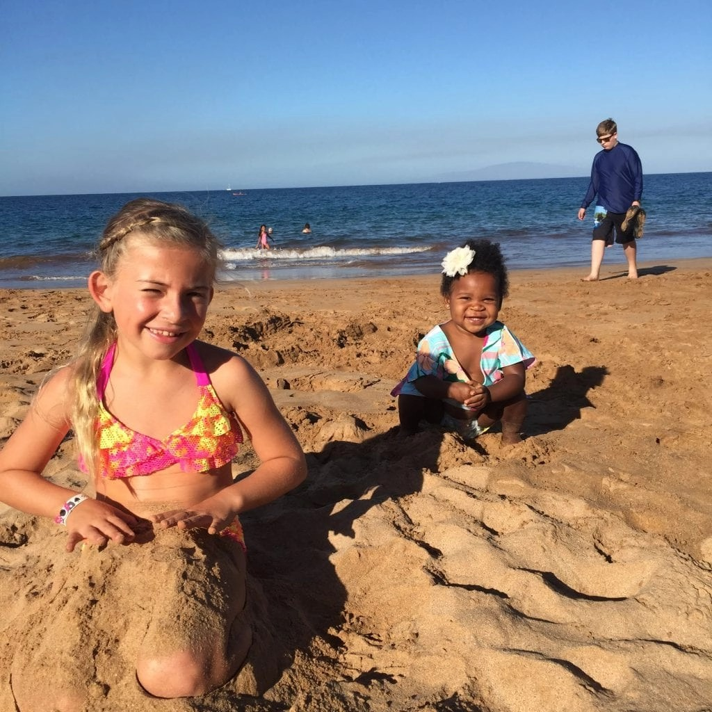 Find the BEST Things To Do in Oahu with (and without) kids in tow. We have compiled the ultimate list with over 25 awesome things to do in Oahu including the best beaches, activities, tours and even some of our absolute favorite places to eat. From a travel writer and mom of 5. #oahu #thingstodoOahu #oahuwithkids