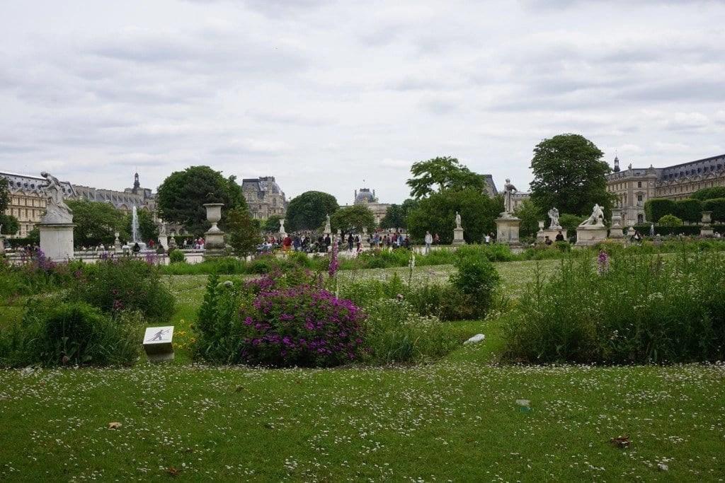 tuileries_gardens_paris_france