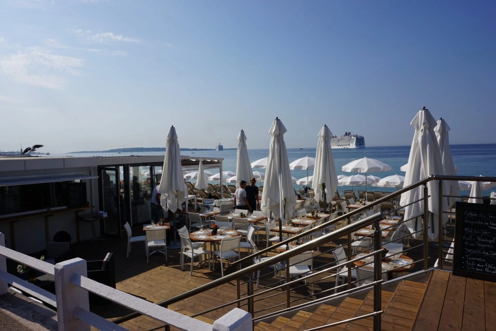 beach_club_cannes_france