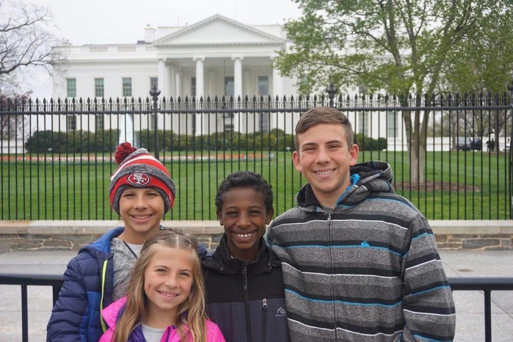 Transracial_Adoptive_Family_at_white_house