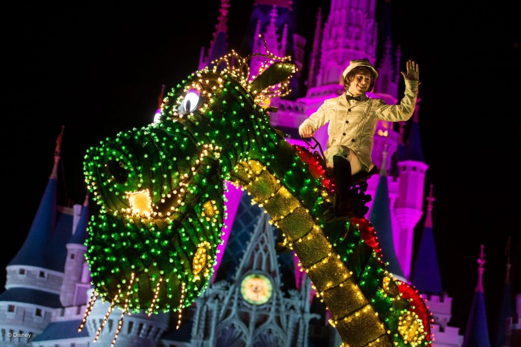 Pete the Magic Dragon float at Disneyworld | Global Munchkins