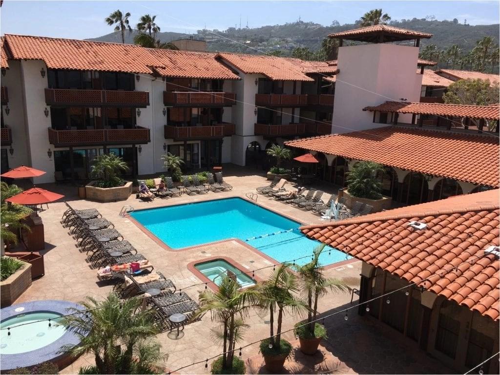 La Jolla Shores Hotel Grounds THE LEO LOVES San Diego Lifestyle Family Photographer Erin Oveis Brant