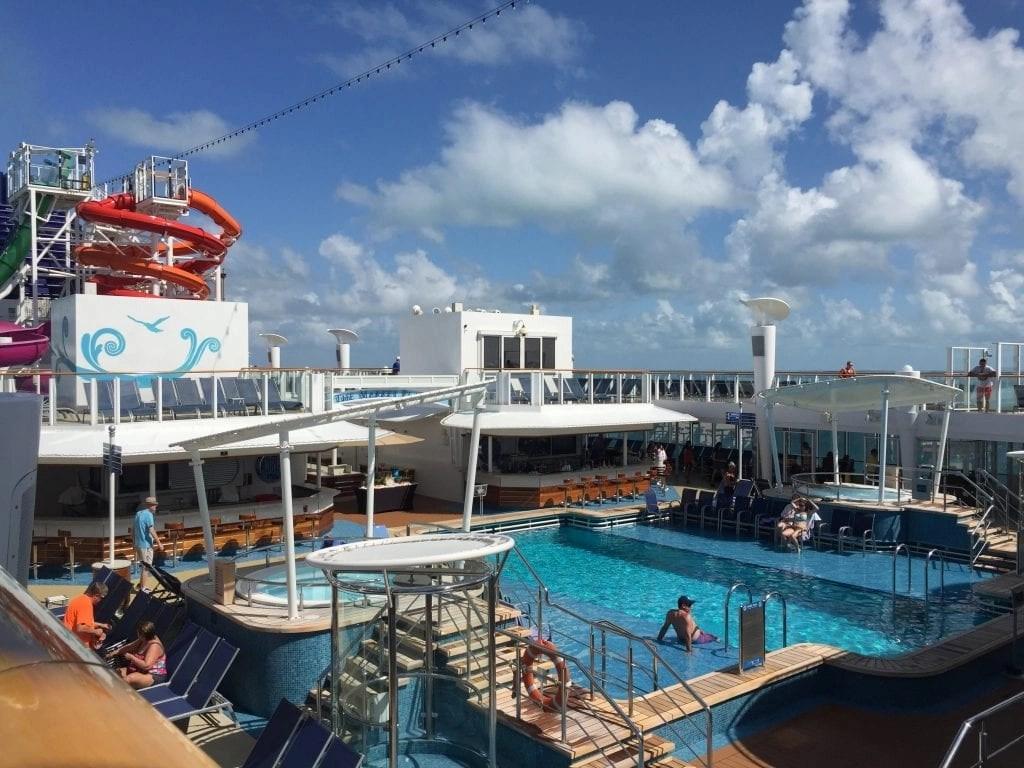 Main pool on NCL Getaway