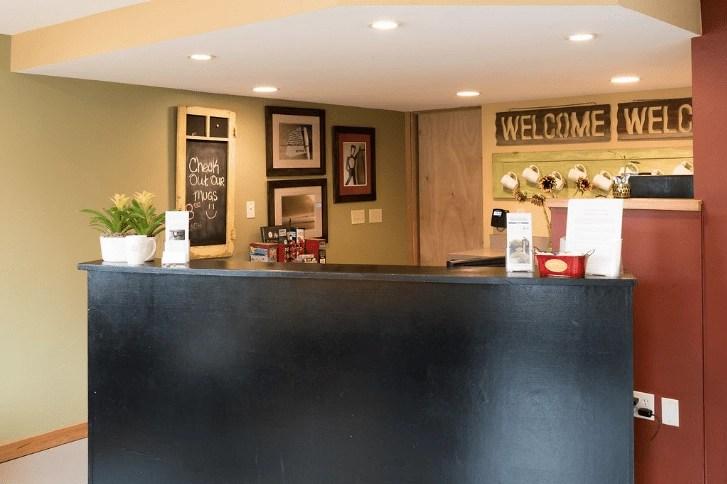Sandy Cove Inn   Global Munchkins