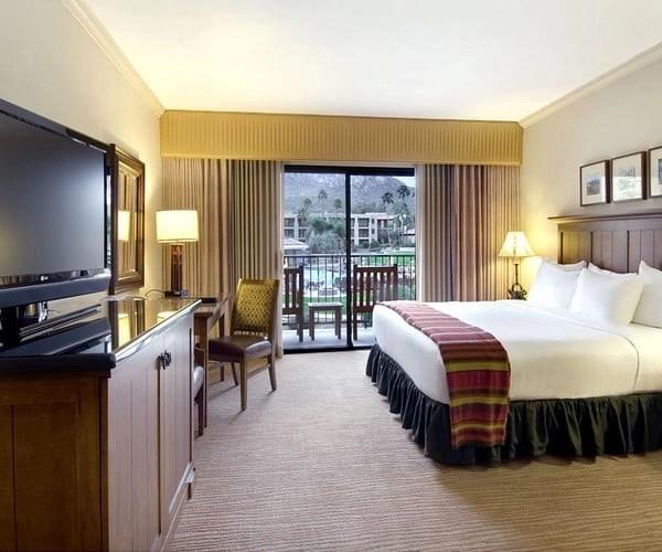 Guestroom at the Hilton El Conquistador