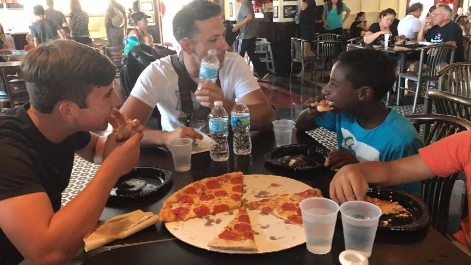 Save time and money at Universal Orlando. We will show you where to eat if you have a big family.
