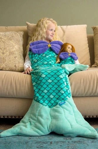 Adorable and snuggly blanket makes the perfect gift for girls. Girls can cuddle up and pretend to be a mermaid in this super soft blanket
