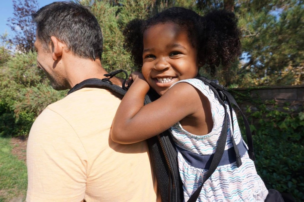 Check out this awesome toddler carrier called the Freeloader. It's perfect for traveling families or parents who like to be outdoors with their kids. This toddler carrier would be perfect for hikes too.