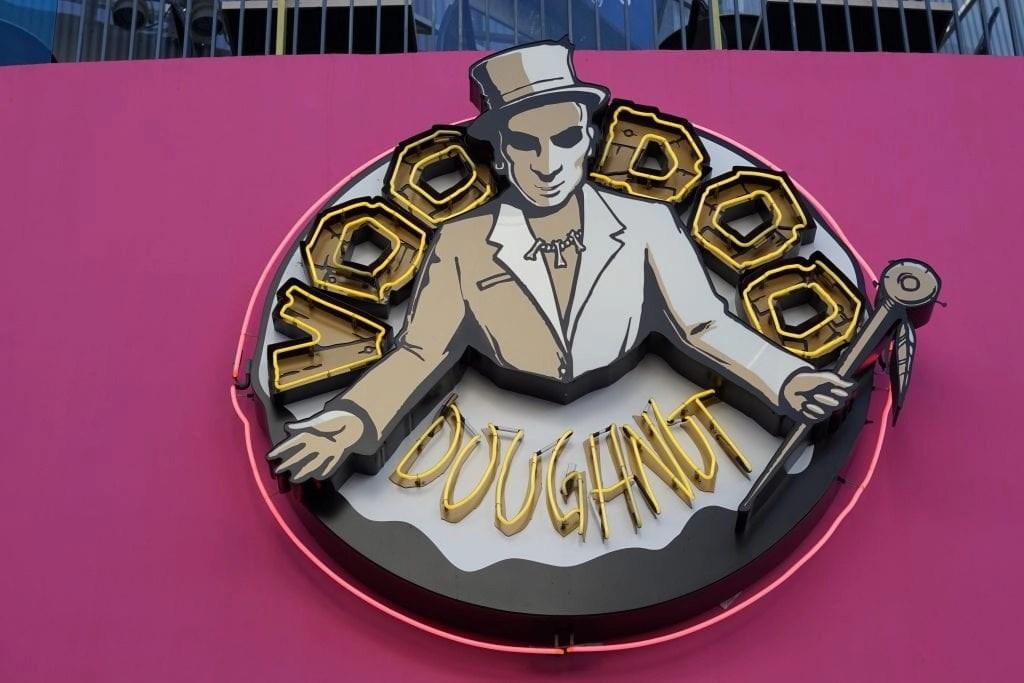 voodoo donuts city walk sign