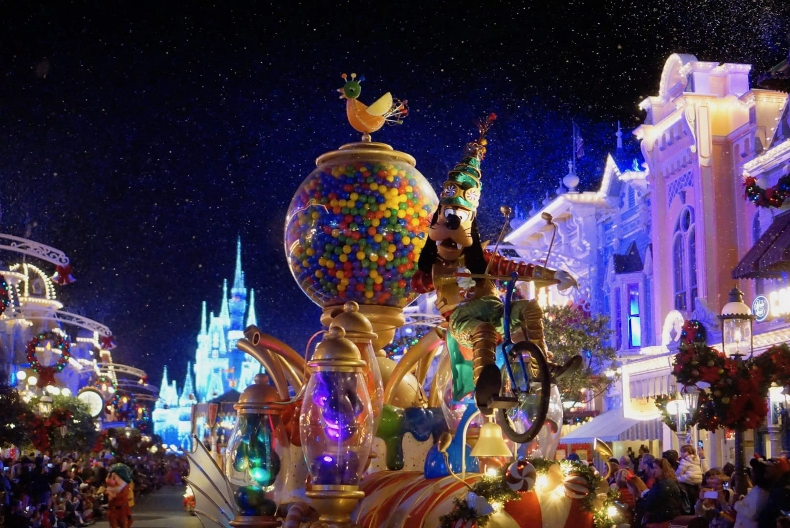 Mickeys Very Merry Christmas Party 2018.7 Amazing Things To Do At Mickey S Very Merry Christmas