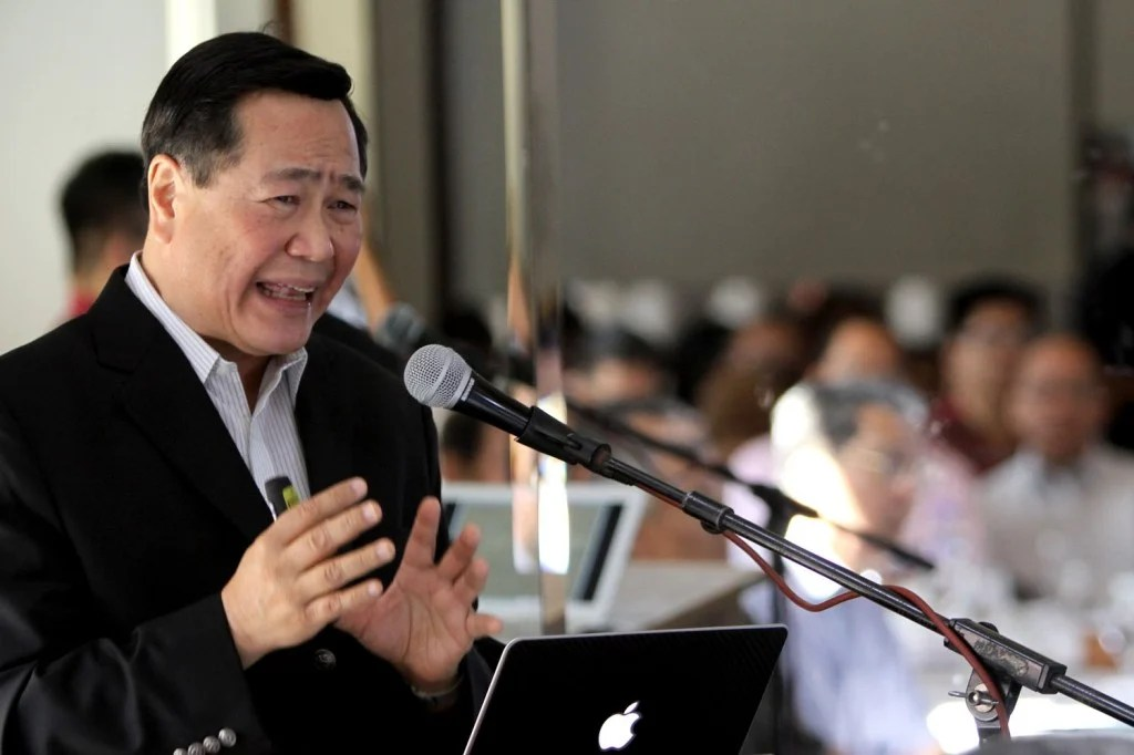 CARPIO ON A FORUM OF PH STAKE ON WEST PHILIPPINE SEA / APRIL 25 2016 Senior Justice Antonio Carpio talks about country's stake in the West Philippine Sea during a forum in CLub Filipino in San Juan City. INQUIRER PHOTO / RICHARD A. REYES