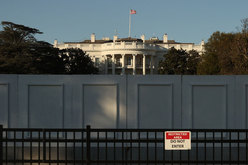 Armed man arrested by Secret Service near White House, police say