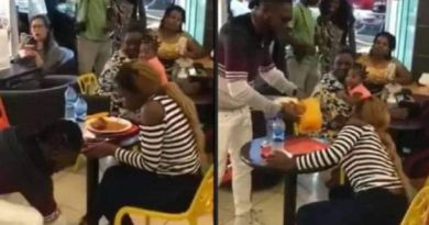 A Guy forcefully removes the shoes he bought for his girlfriend, collect his food, others items after she said no to his proposal at the restaurant (photo)