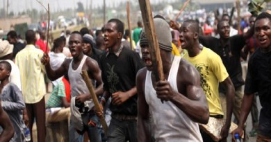BREAKING: 3 Feared Dead Several Injured As Okigwe People Clash With SARS Over Lockdown (Video)