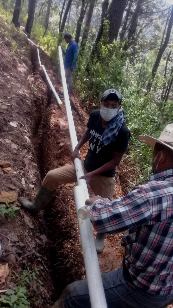 Installing PVC Pipes for the Tintuleo Water Project