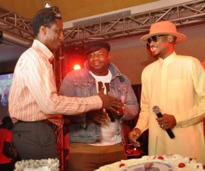 1.	 L-R, Head, Youth Segment, Airtel Nigeria, Segun Aderinokun; Regional Operations Director, Lagos, Oladokun Oye with Brand Ambassador, Airtel Nigeria, Tuface Idibia during the Airtel One Mic Volume 1. album launch/Tuface's 40th birthday celebration held in Lagos recently.