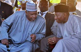 Col Dasuki (l) with his former boss, ex-President Goodluck Jonathan