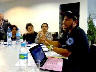 Alex Cardoso speaking with the Latin American section of the German FES foundation. Photo: Karin Pape