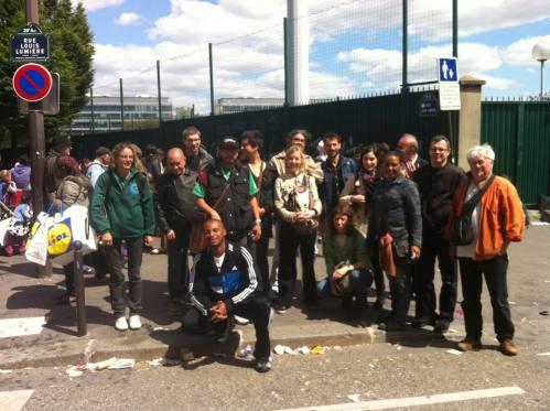 A delegação de catadores se reuniram com os biffins (catadores de Paris). Foto: Asso Amelior.