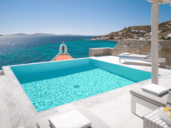 Renting a Private Swimming Pool