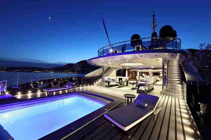 Rent Luxurious Private Yacht