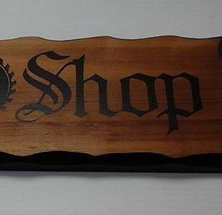 Wood sign / vinyl