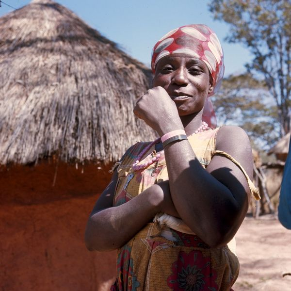 A Zambian woman. Photo by Tropenmuseum.