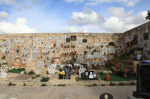 Mellieħa Cemetery in Malta. Photo by Frank Vincentz.