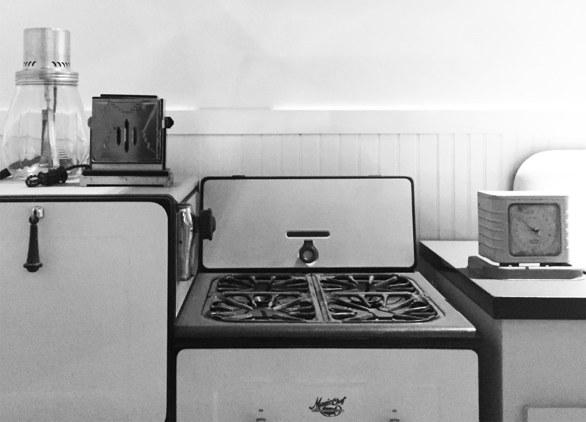 kitchen-from-the-1930s-in-okc