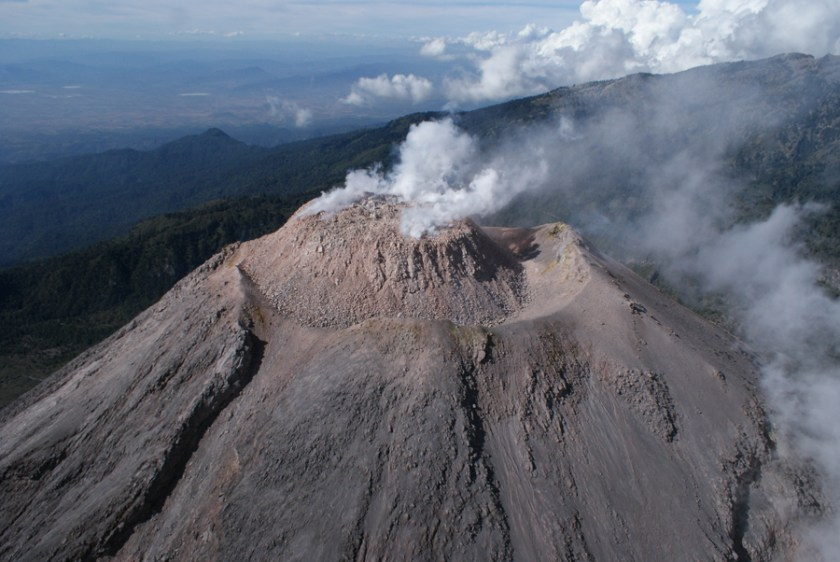 """Volcan de Colima Sept 2009"" by Universidad de Colima - http://www.ucol.mx. Licensed under GFDL via Wikimedia Commons - https://commons.wikimedia.org/wiki/File:Volcan_de_Colima_Sept_2009.JPG#/media/File:Volcan_de_Colima_Sept_2009.JPG"
